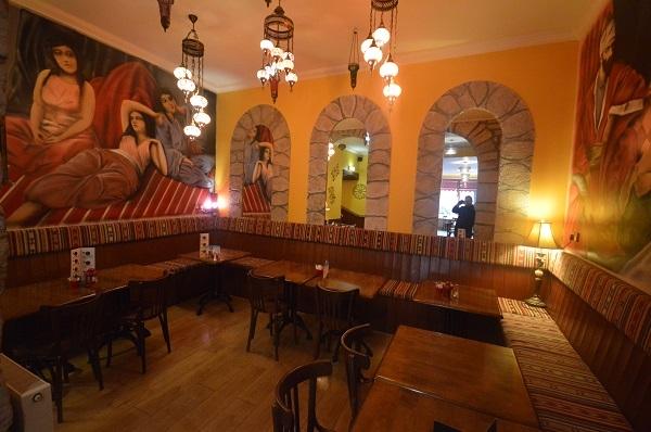 large edinburgh café restaurant - 9