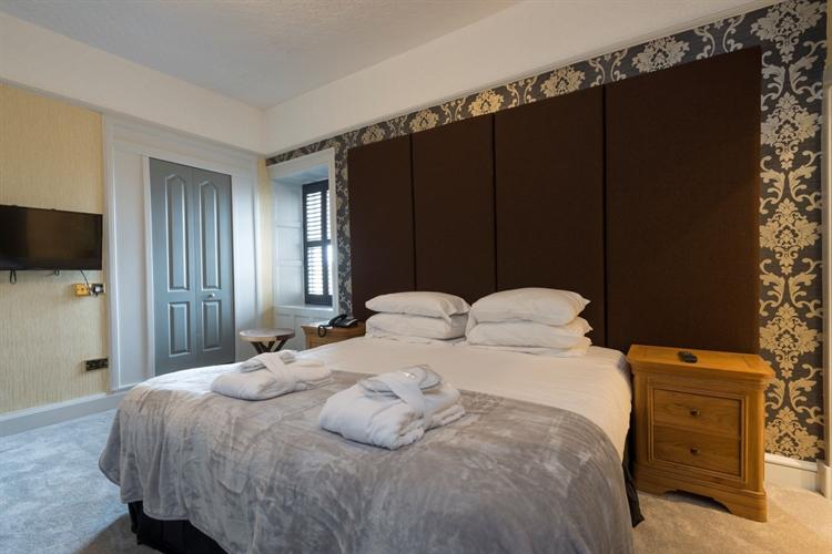 outstanding historic castle hotel - 10