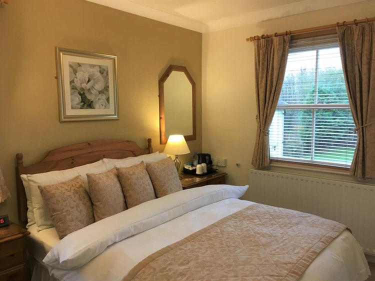 quality somerset guest house - 4