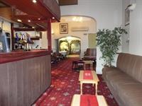 popular hotel southport - 3