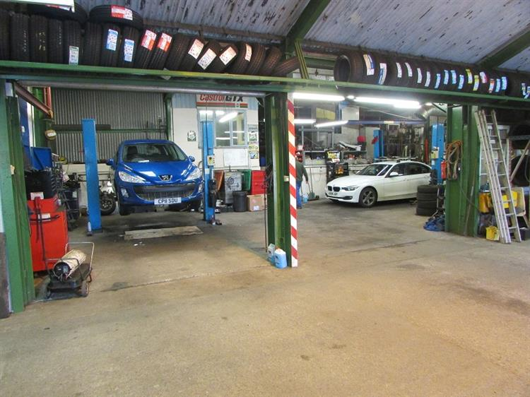 mot car services garage - 4