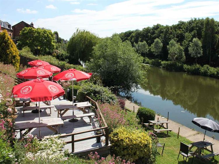 worcestershire charming riverside freehouse - 5