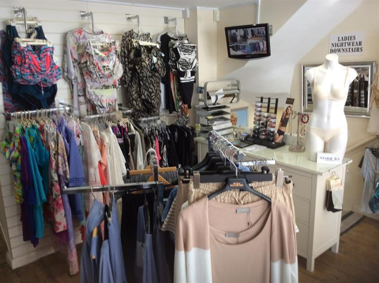 beautifully presented ladies boutique - 5