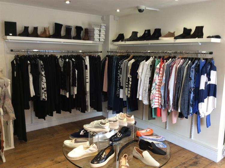 beautifully presented ladies boutique - 13