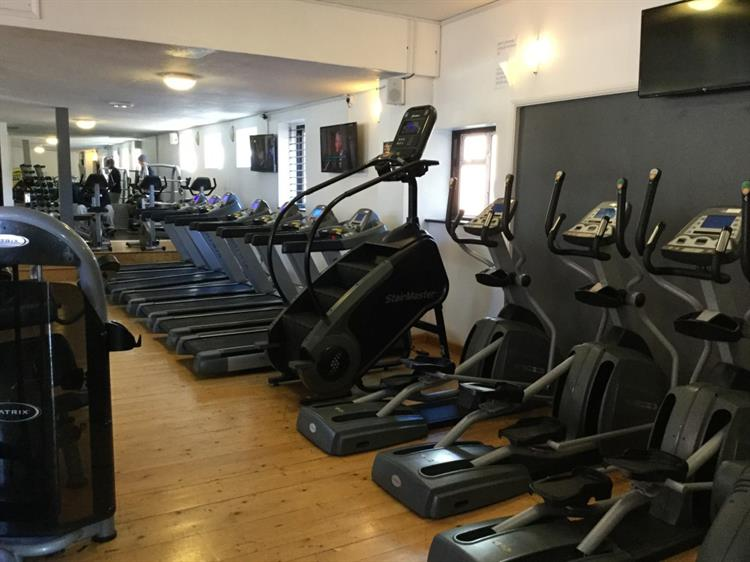 established gym buckinghamshire - 9