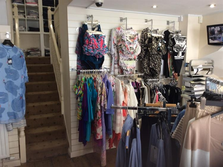 beautifully presented ladies boutique - 7