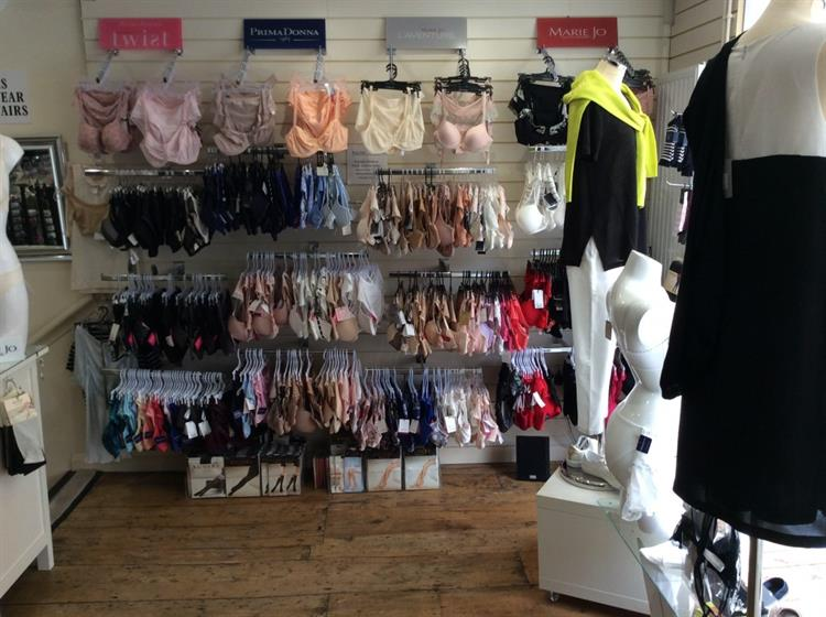 beautifully presented ladies boutique - 10