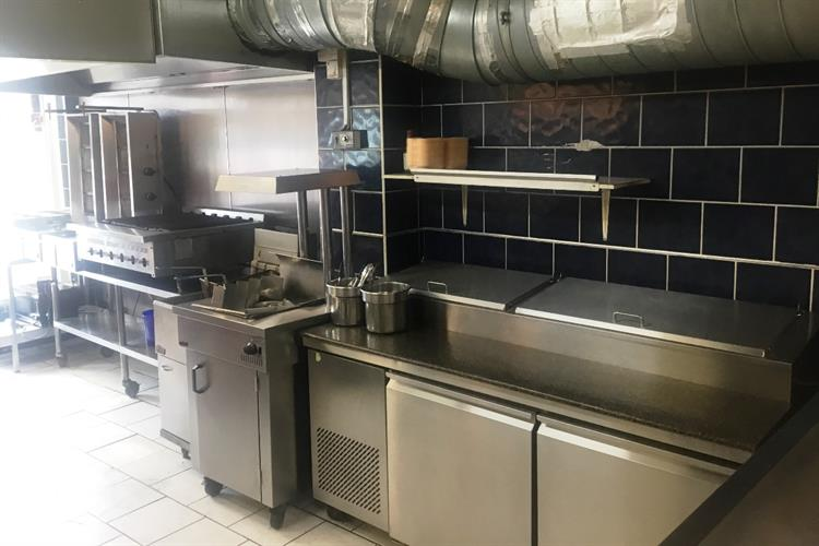 established takeaway with accommodation - 4