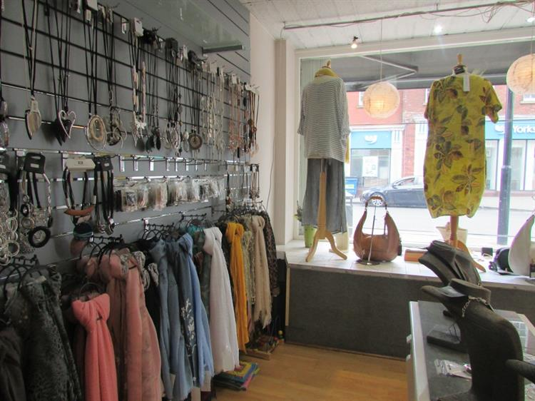 ladies clothing boutique with - 5