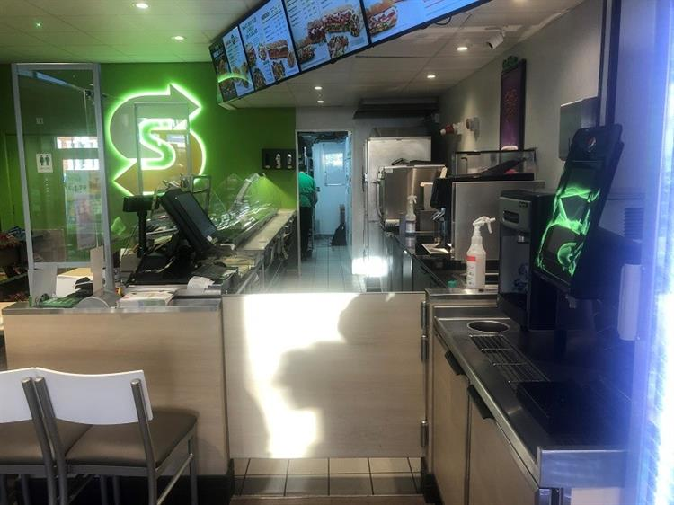 well known sandwich franchise - 7