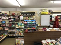 newsagents with 2 bedroom - 2