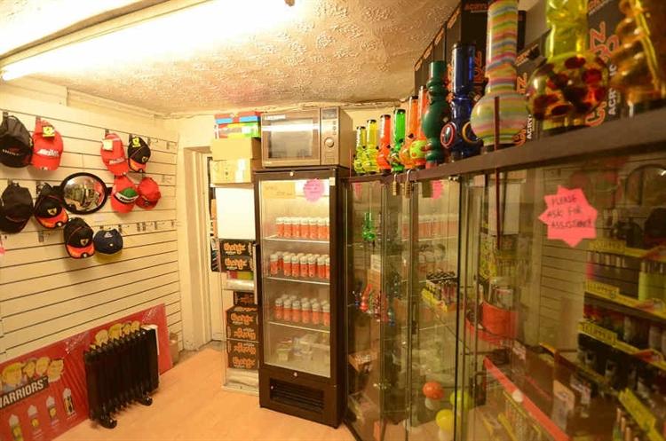 vape shop to rent - 7