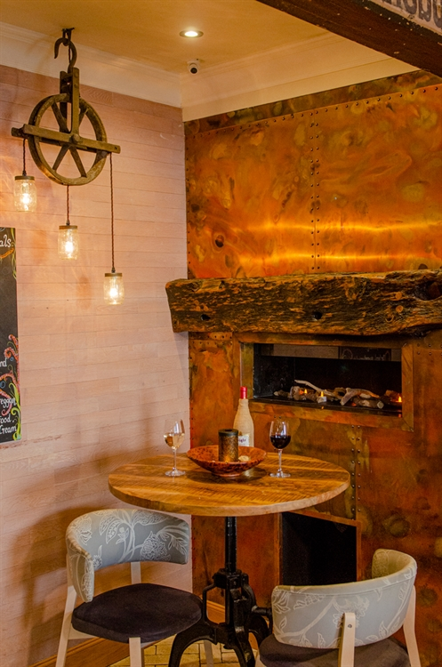 stunning seaside restaurant bar - 9