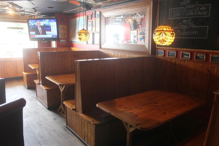 restaurant bar popular town - 13