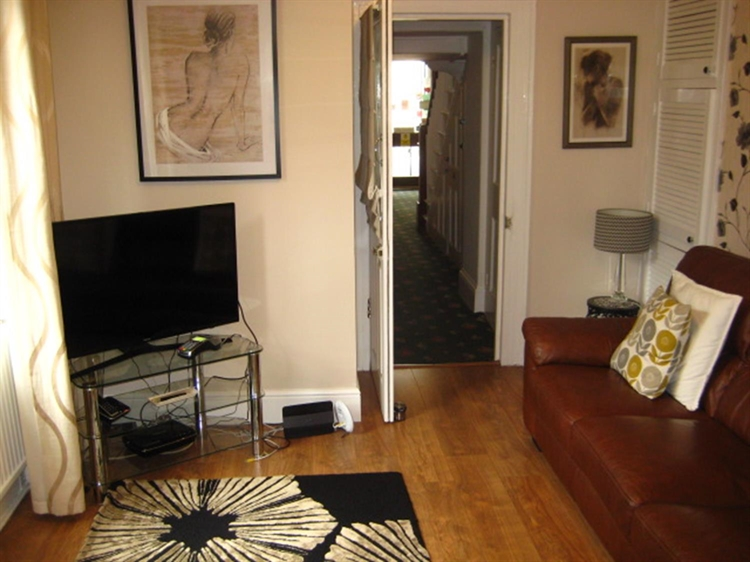 freehold seven bedroom guest - 13