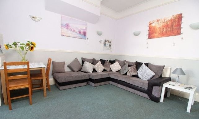 available charming guest house - 7