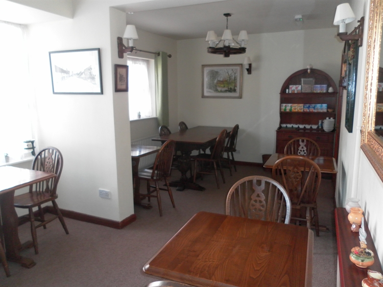 freehold guest house located - 9