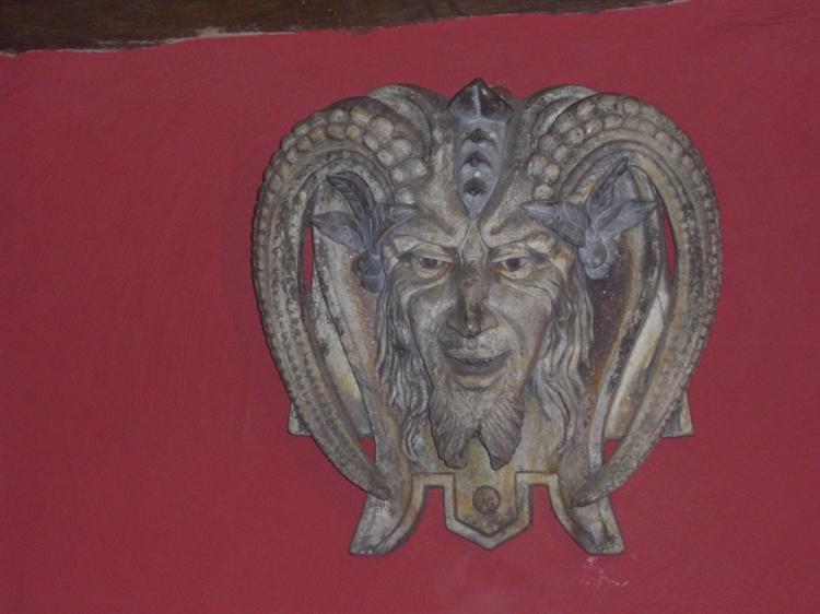 wales' finest medieval inn - 5