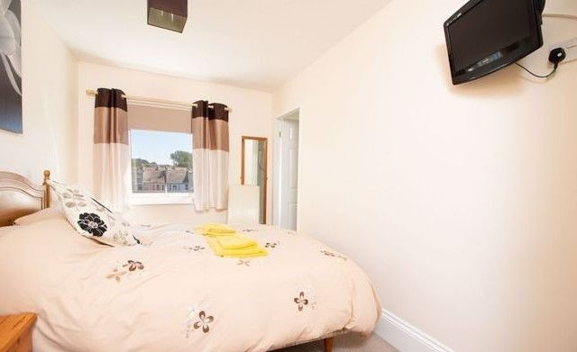 available charming guest house - 6
