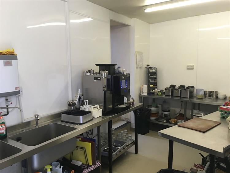 daytime cafe deli - 8
