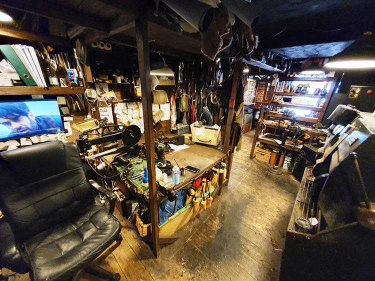 well established cobblers locksmiths - 5