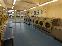 coin operated launderette bebington - 1