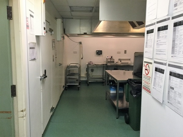 fully equipped commercial catering - 6
