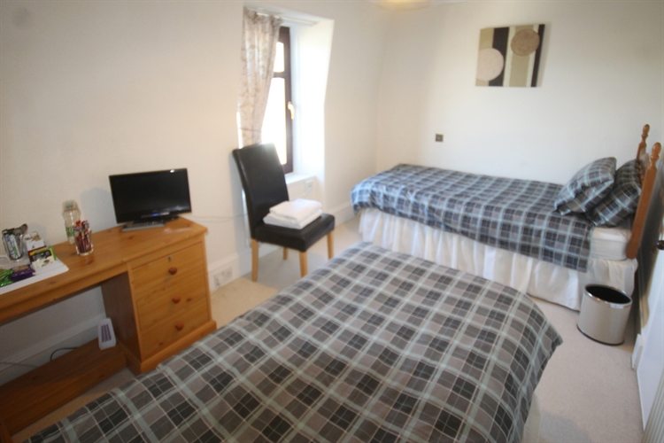 excellent 11-bedroom hotel situated - 12