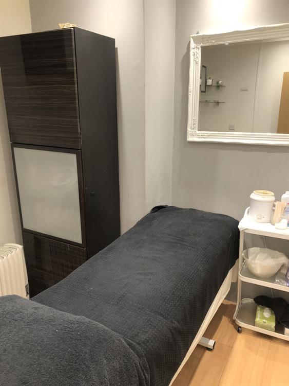 beauty salon near bromley - 5