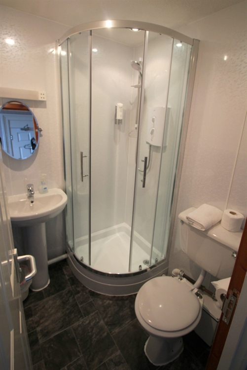 attractive profitable 8-bedroom hotel - 14