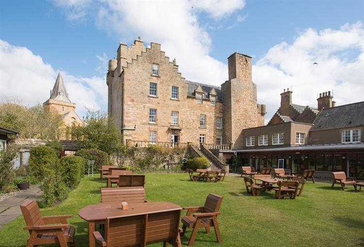 outstanding historic castle hotel - 12