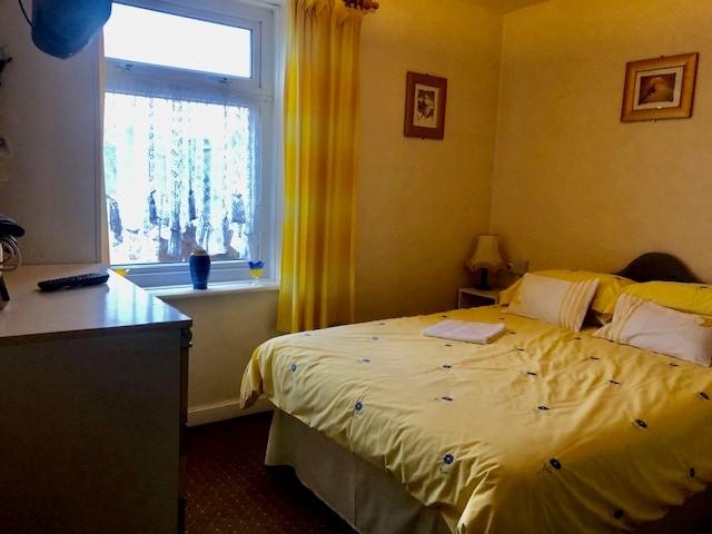 ten bedroom licensed hotel - 9