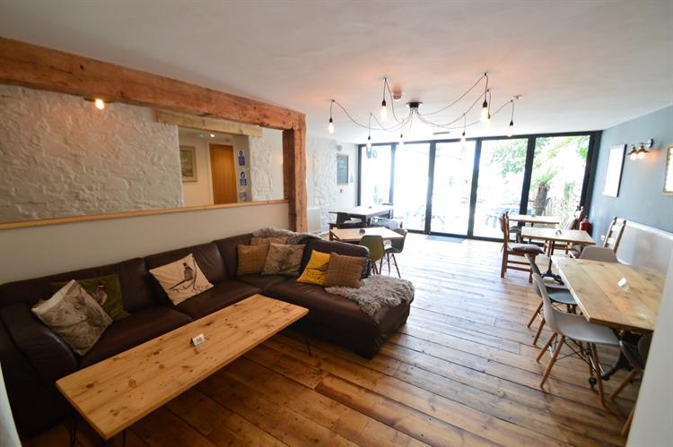 highly refurbished public house - 8