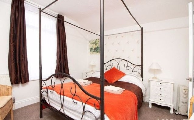 available charming guest house - 8