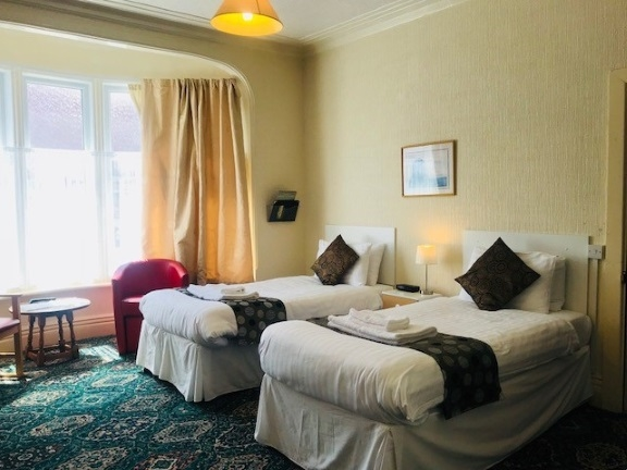 thirteen bed licensed hotel - 9