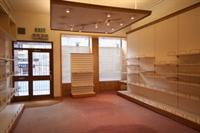 retail unit excellent location - 3