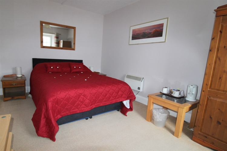substantial 12-bedroom hotel lochcarron - 10