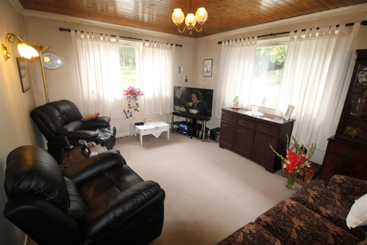 substantial 6-bedroom hotel situated - 13