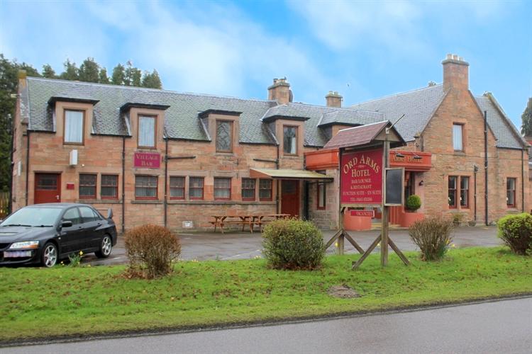substantial attractive 8-bedroom hotel - 15