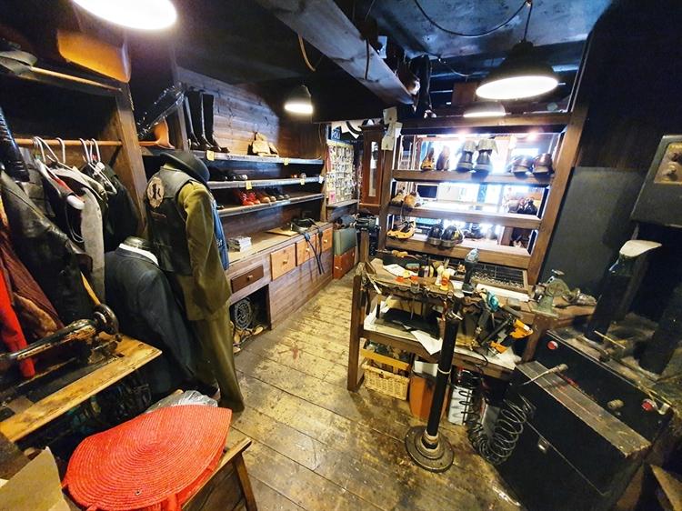 well established cobblers locksmiths - 6