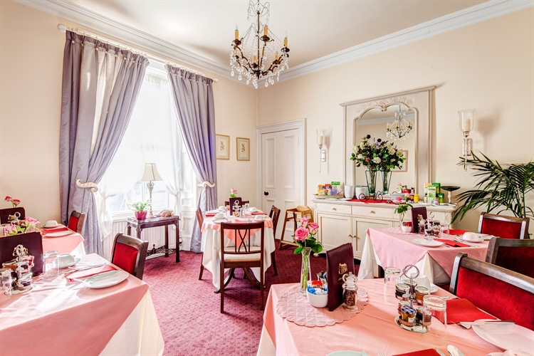 well-presented 6-bedroom guesthouse auchterarder - 5