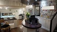 town centre hairdressing salon - 1
