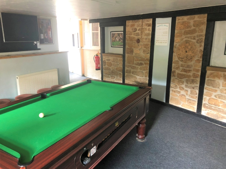delightful traditional freehouse located - 6