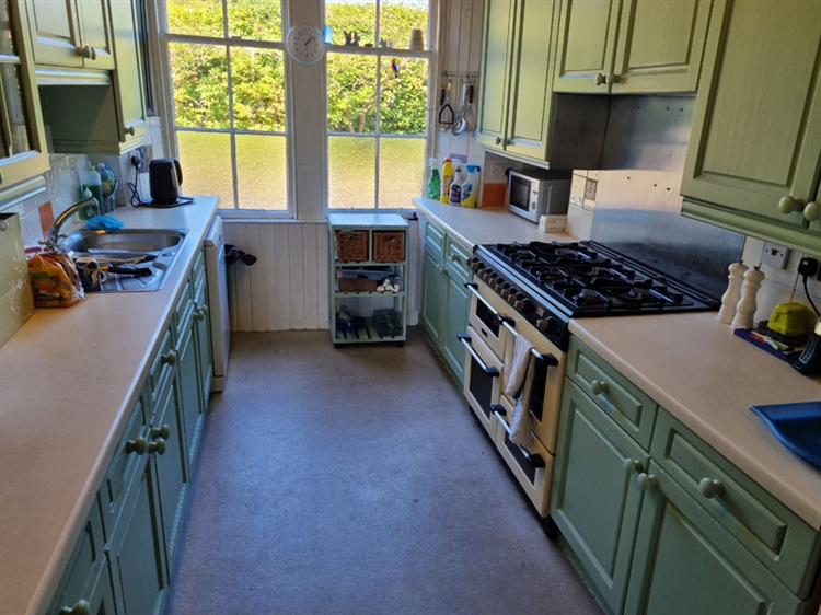 outstanding residential self-catering guest - 5