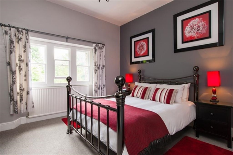 four bedroom guest house - 7