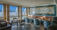 stunning seaside restaurant bar - 2