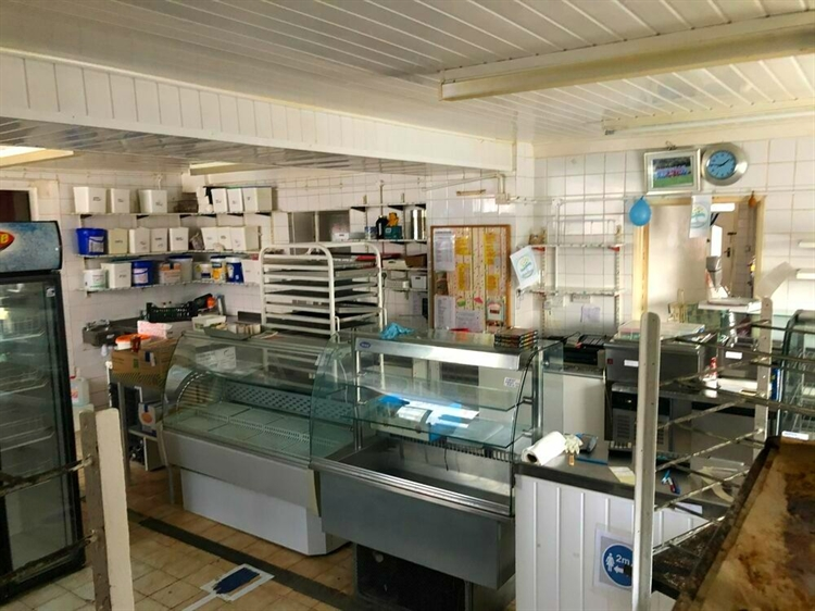 freehold bakery convenience store - 6