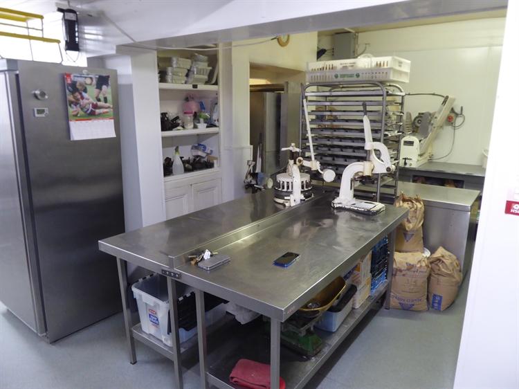 sandwich bar cafe bakery - 9