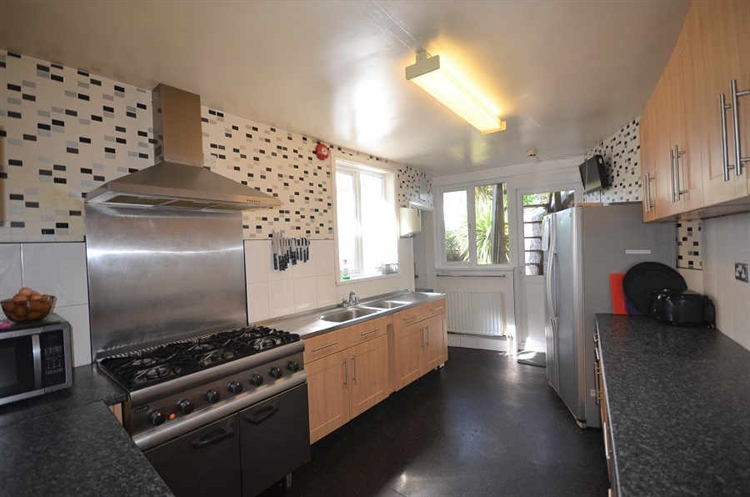 profitable guest house torquay - 4