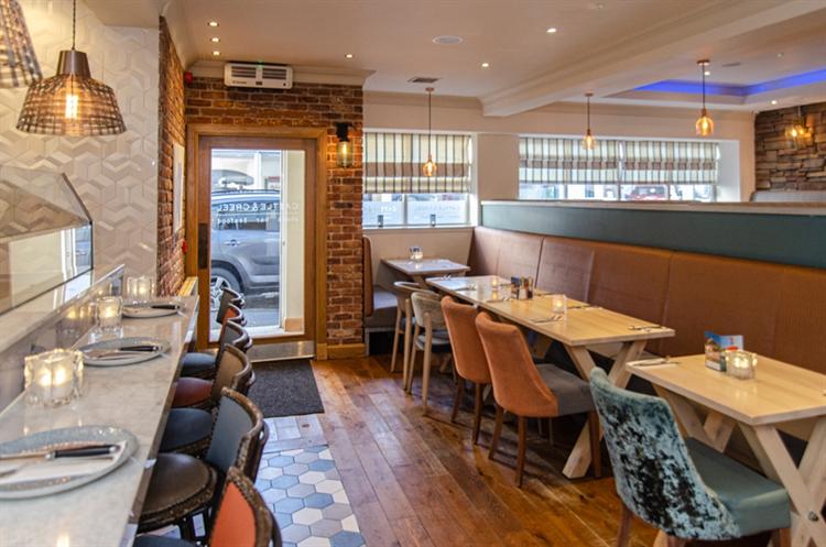 stunning seaside restaurant bar - 4